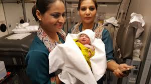 Pakistani mother gives birth mid-air