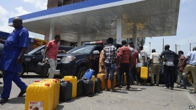 Fuel crisis worsens as oil workers threaten indefinite strike on Monday
