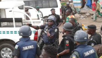 Kidnappers kill two policemen, abduct four expatriates