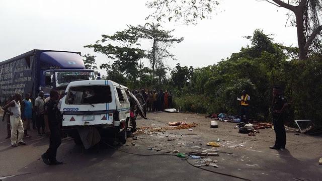 10 die in Lagos-Ibadan Expressway crash
