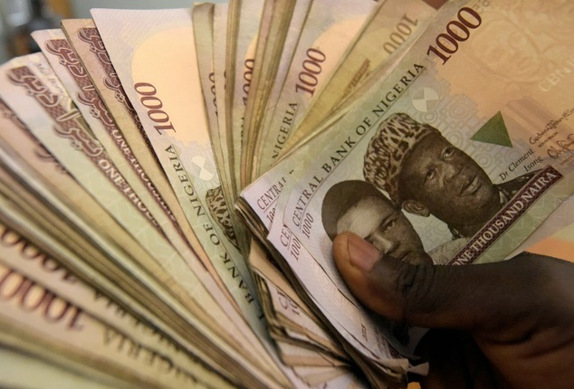 Naira weakens to 364/dollar despite CBN injections