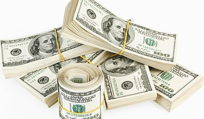 Naira devaluation: BDCs get dollars at N393, sells for N494