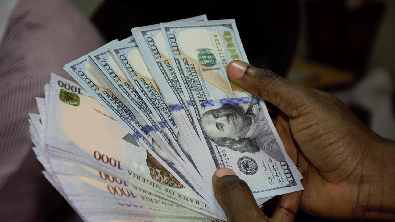 Naira closes at 363/dollar after new year break