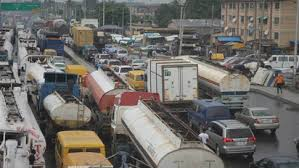 Apapa gridlock: Residents issue 21-day ultimatum to FG
