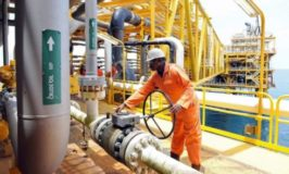Brent crude price drops to $63.13/barrel