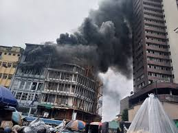 Fire guts Lagos factory, Balogun, Dosunmu market buildings