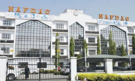FG Directs NAFDAC To Evaluate Local COVID-19 Cures, Meet Herbalists