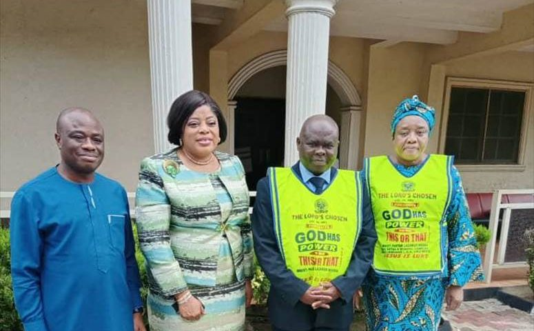 Fidelity Bank  MD's Visit to Lord's Chosen Charismatic Revival Church